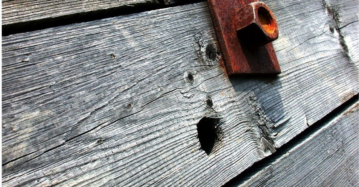How to Fill Screw Holes in Wood